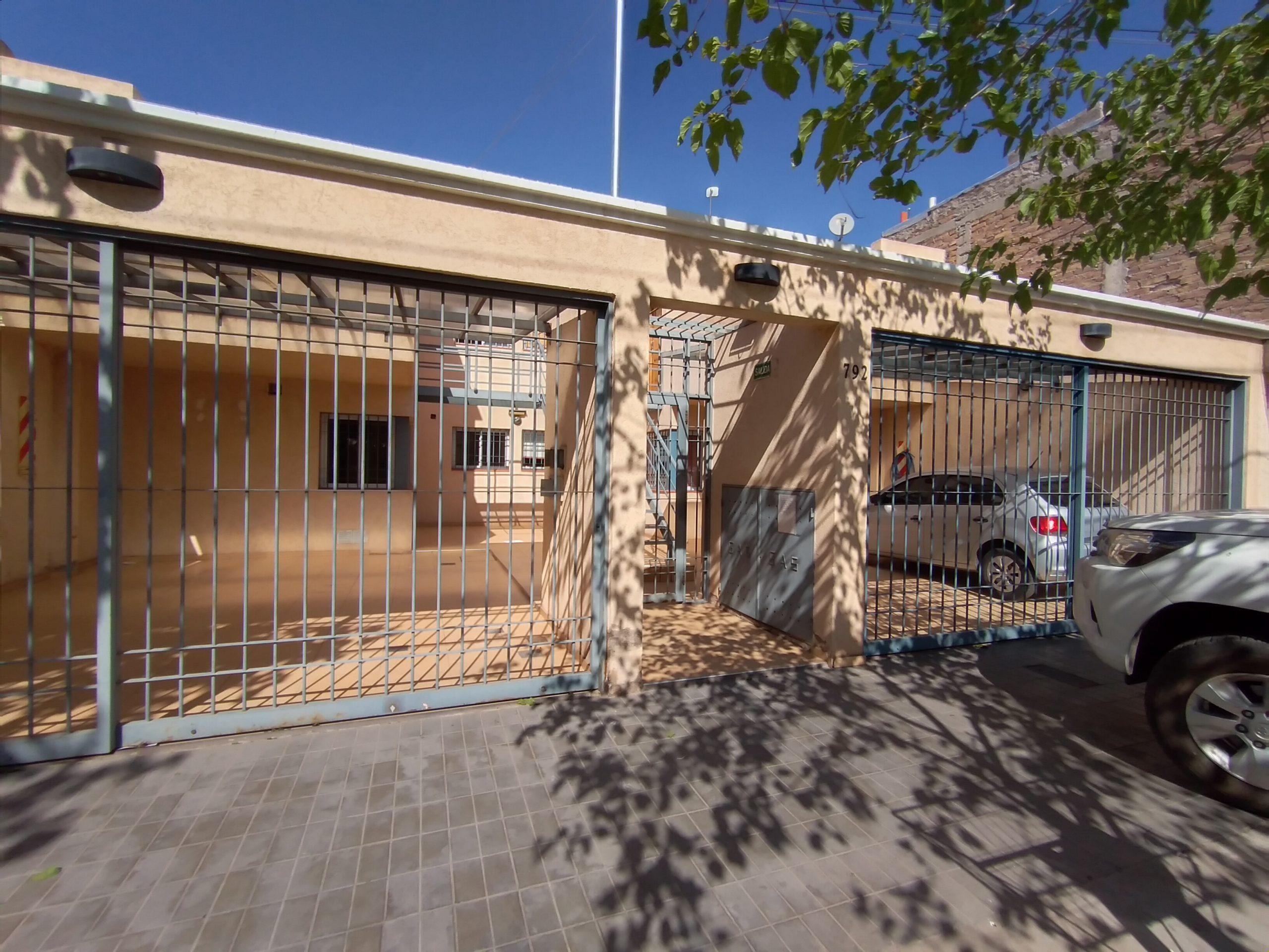 Departamento DUPLEX calle Cangallo y Rodriguez Peña, Gllén.-