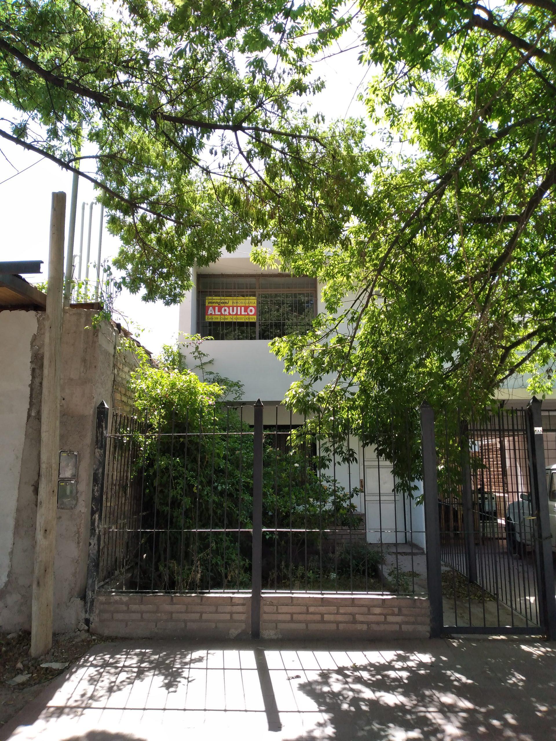 Departamento San Miguel y J.M.Godoy, Las Heras – 2 Habitaciones – Terraza – (Dto 3).-