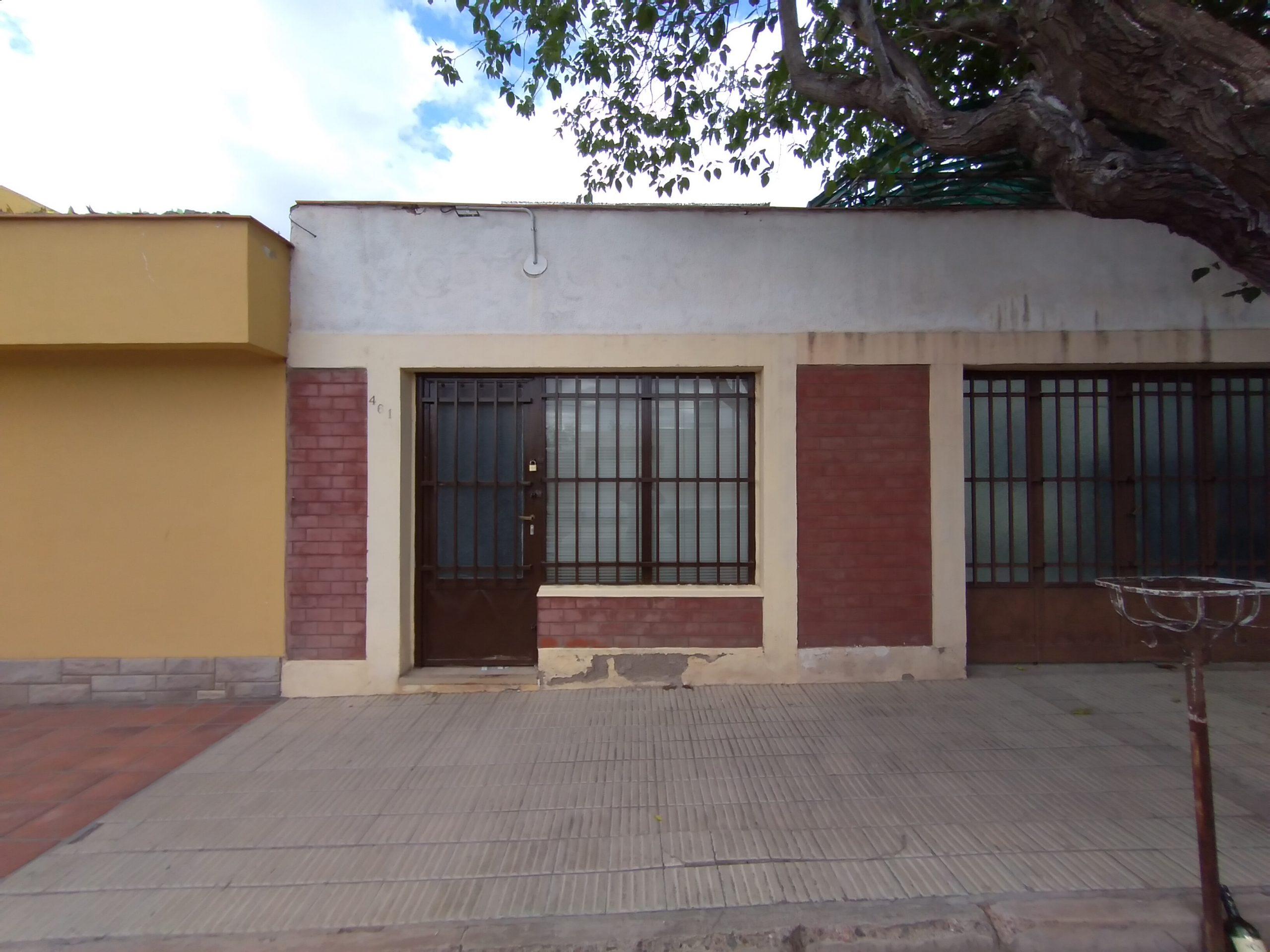 Local Comercial Eusebio Blanco casi Dorrego, Gllén.-
