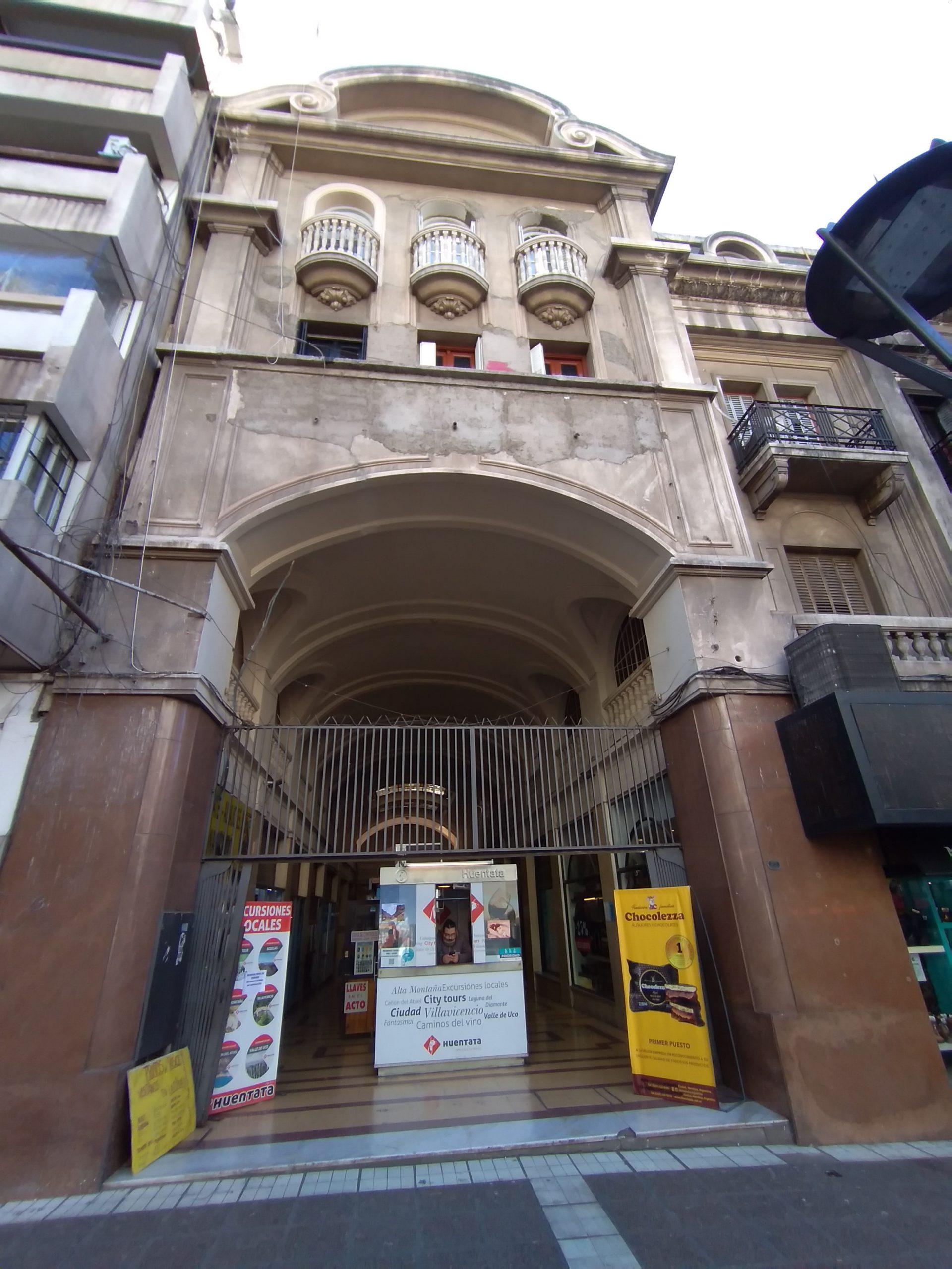 Oficina Pasaje San Martín, Cdad.-